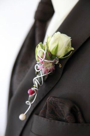 Anstecker Braeutigam Weisse Rose