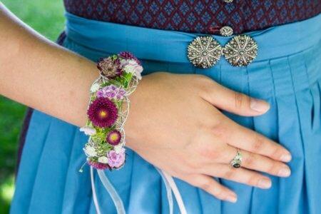 Blumen Armband Dirndl 1