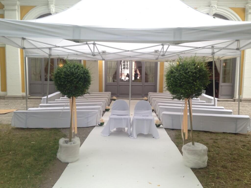 Hochzeit Baeumchen Geschmueckt