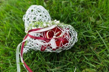 Ringkissen Herz Rote Rose